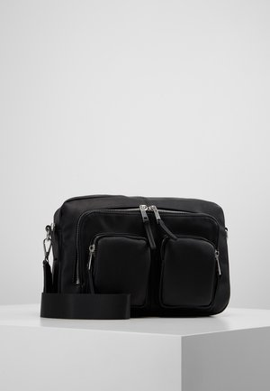 VMCASHA BIG CROSS OVER BAG - Skulderveske - black