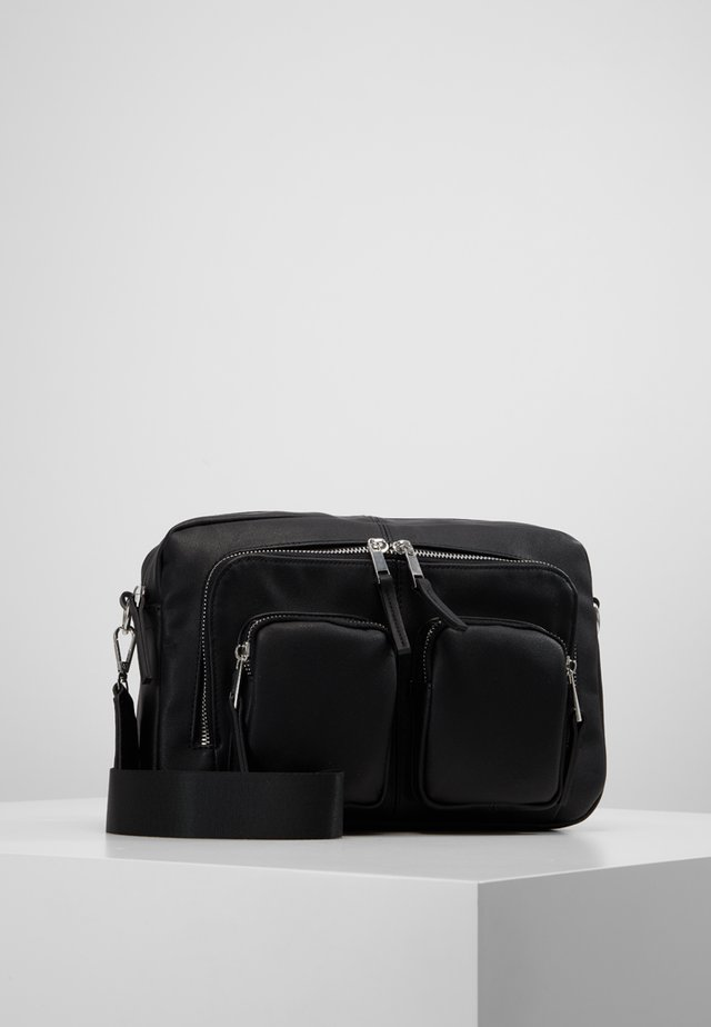 VMCASHA BIG CROSS OVER BAG - Torba na ramię - black