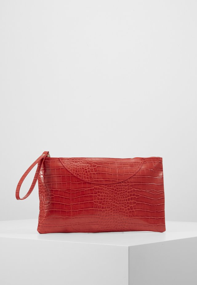 VMCROKA CLUTCH - Kopertówka - fiery red
