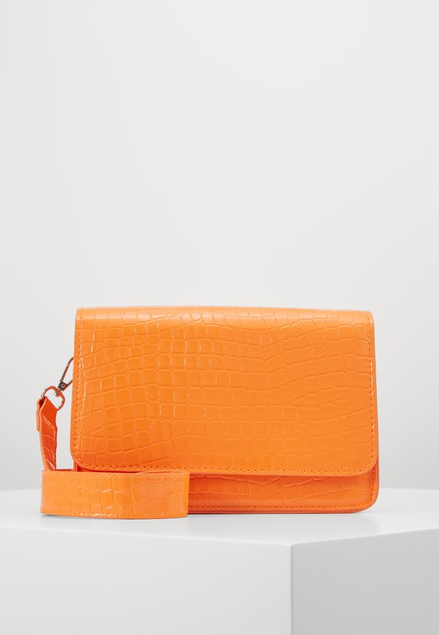 VMABBA CROSS OVER BAG - Torba na ramię - coral