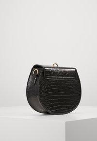 Vero Moda - VMVASI CROSS OVER BAG - Taška spříčným popruhem - black - 3