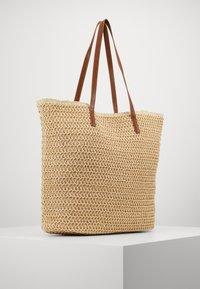 Vero Moda - VMSISSO BEACH BAG - Shoppingveske - creme brûlée - 2
