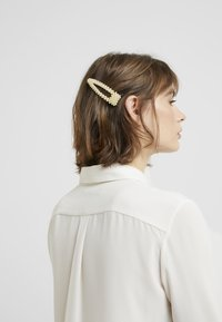 Vero Moda - Hair styling accessory - pale banana - 2