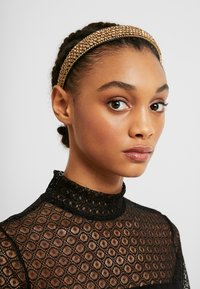 Vero Moda - VMCRYSTAL HAIRBAND - Hair Styling Accessory - gold-coloured - 1