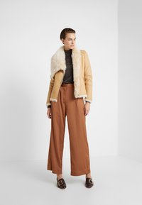 VSP - SHORT JACKET - Leather jacket - toscana vanilla - 1