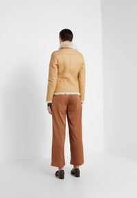 VSP - SHORT JACKET - Leather jacket - toscana vanilla - 2