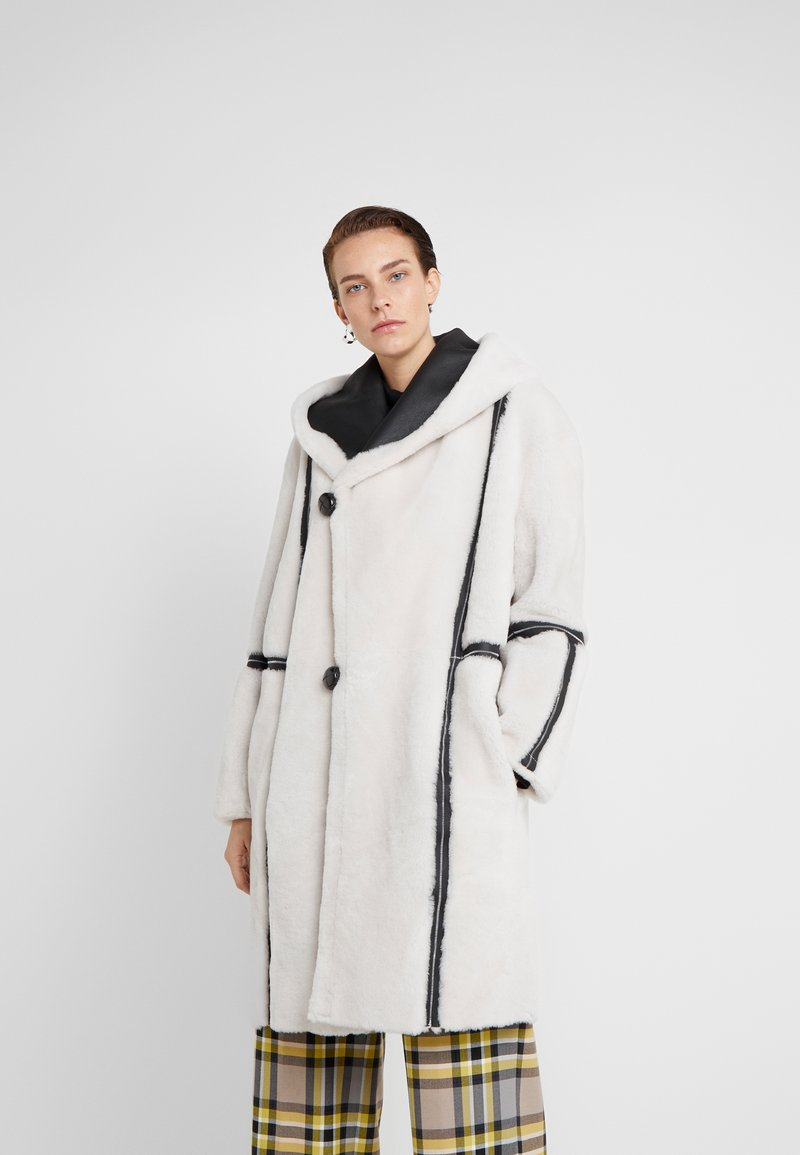 VSP - HOOD COAT REVERSIABLE - Classic coat - black/white