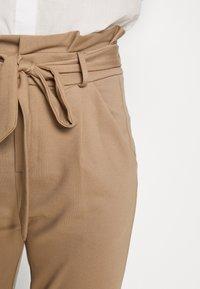 Vero Moda Tall - VMEVA  LOOSE PAPERBAG PANT  - Kalhoty - silver mink - 5