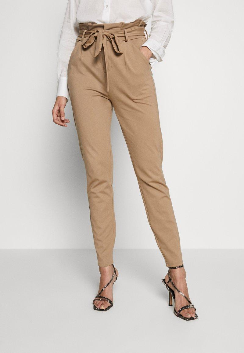 Vero Moda Tall - VMEVA  LOOSE PAPERBAG PANT  - Bukse - silver mink