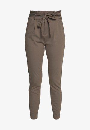 VMEVA  LOOSE PAPERBAG PANT  - Pantalones - bungee cord