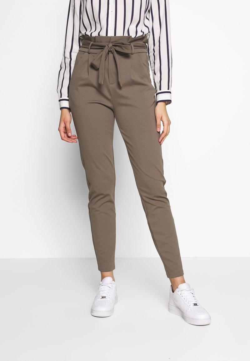 Vero Moda Tall - VMEVA  LOOSE PAPERBAG PANT  - Pantalon classique - bungee cord