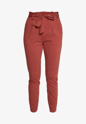 VMEVA  LOOSE PAPERBAG PANT  - Spodnie materiałowe - marsala