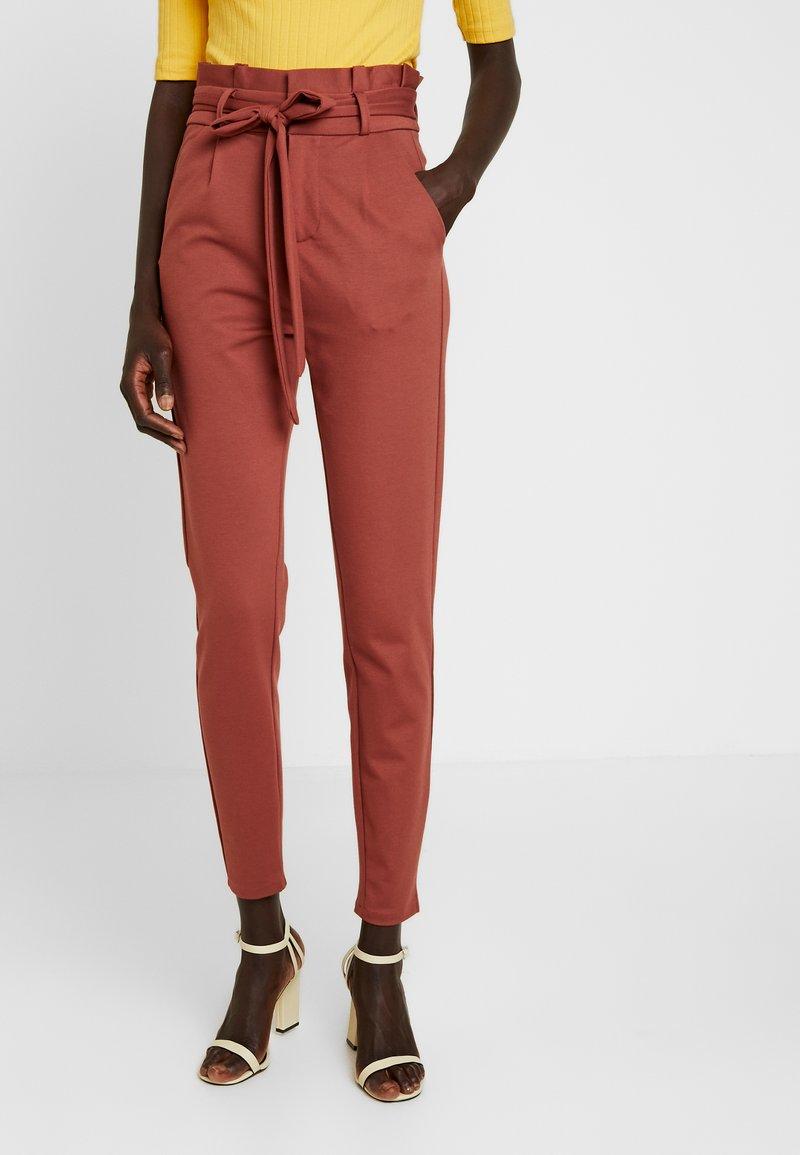 Vero Moda Tall - VMEVA  LOOSE PAPERBAG PANT  - Stoffhose - mahogany