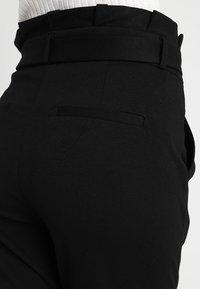 Vero Moda Tall - VMEVA  LOOSE PAPERBAG PANT  - Kalhoty - black - 4