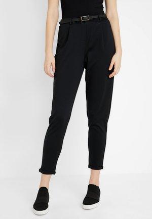VMCARRIE N/W PANT JRS TALL - Pantalones - black
