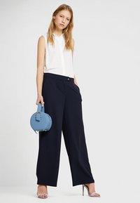 Vero Moda Tall - VMALLISON COCO WIDE PANT - Spodnie materiałowe - night sky - 2
