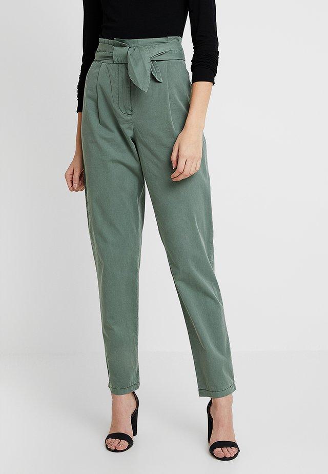 VMFLAME BOW PANTS - Kalhoty - khaki