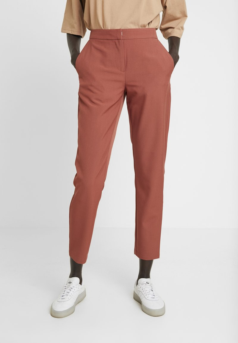 Vero Moda Tall - VMTIA MAYA PANT - Pantalon classique - mahogany