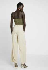 Vero Moda Tall - VMCOCO WIDE PANT - Trousers - oyster gray - 3