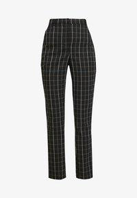 Vero Moda Tall - VMCARNIE SELMA ANCLE PANT - Kalhoty - black - 4