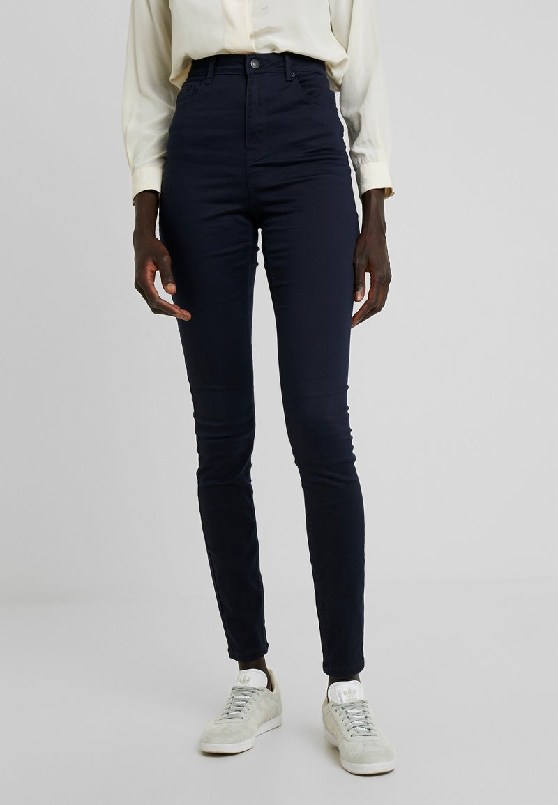 Vero Moda Tall - VMHOT SOPHIA PANTS - Jeans Skinny Fit - night sky