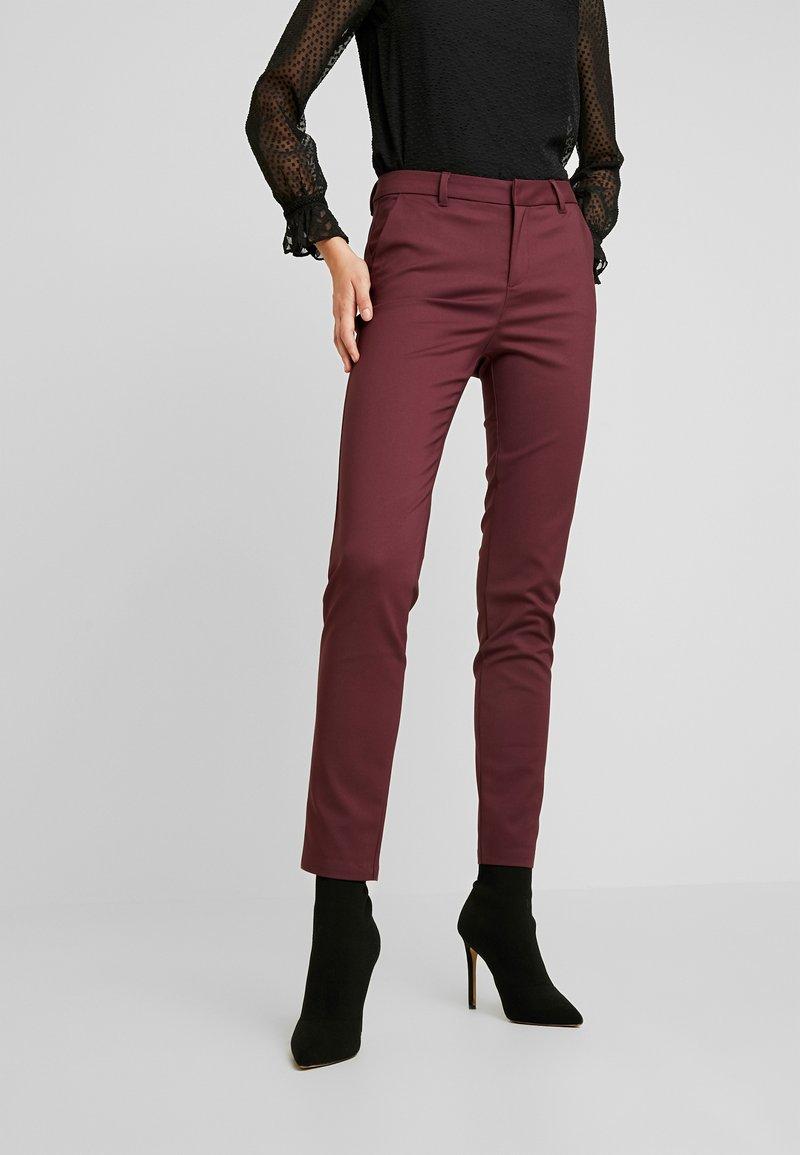 Vero Moda Tall - VMLEAH PANT - Trousers - port royale