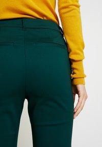 Vero Moda Tall - VMLEAH PANT - Trousers - ponderosa pine - 6
