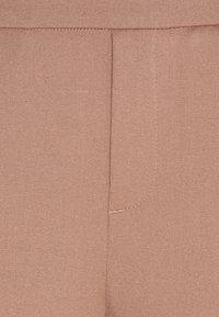 Vero Moda Tall - VMMAYA LOOSE SOLID PANT - Bukse - brownie - 3