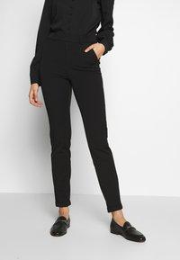 Vero Moda Tall - VMMAYA LOOSE SOLID PANT - Tygbyxor - black - 0