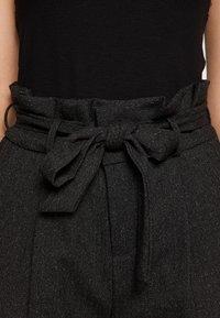 Vero Moda Tall - VMEVA LOOSE PAPERBAG - Bukse - black - 5