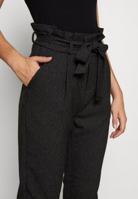 Vero Moda Tall - VMEVA LOOSE PAPERBAG - Bukse - black - 3