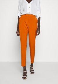 Vero Moda Tall - VMIZZA CIGARET PANTS - Kalhoty - autumnal - 0