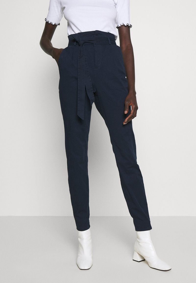 Vero Moda Tall - VMEVA LOOSE PAPERBAG PANT - Pantalon classique - night sky