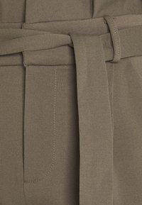 Vero Moda Tall - Pantalon classique - laurel wreath - 2