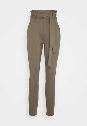 VMEVA LOOSE PAPERBAG PANT TALL - Bukser - laurel wreath