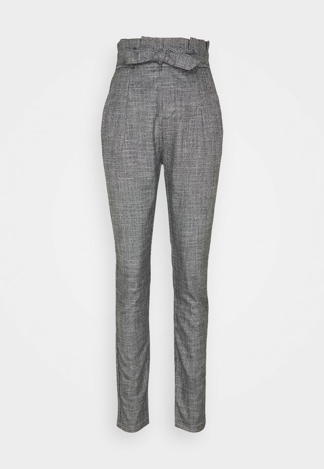 VMEVA LOOSE PAPERBAG AMY PANT - Bukse - black/houndstooth grey/white