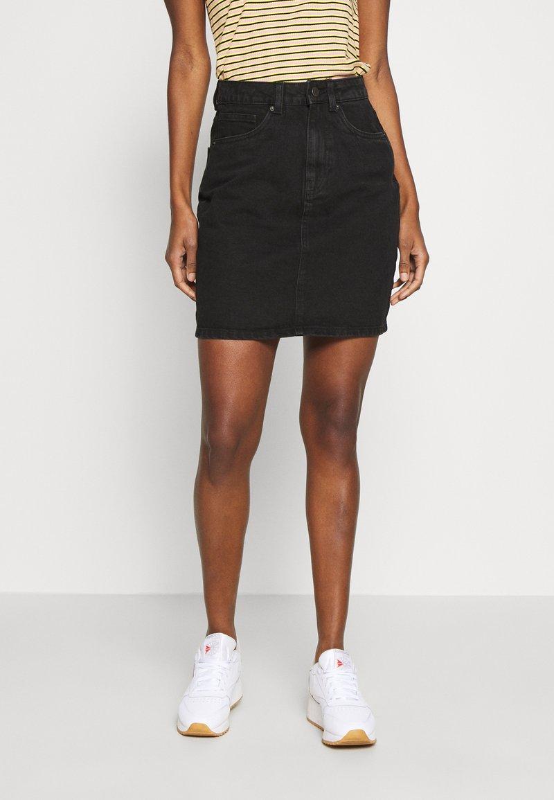 Vero Moda Tall - VMKATE SKIRT MIX - Falda vaquera - black