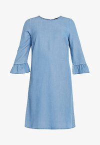 Vero Moda Tall - VMLISSY 3/4 SLEEVE SUMMER DRESS - Robe d'été - light blue denim - 6