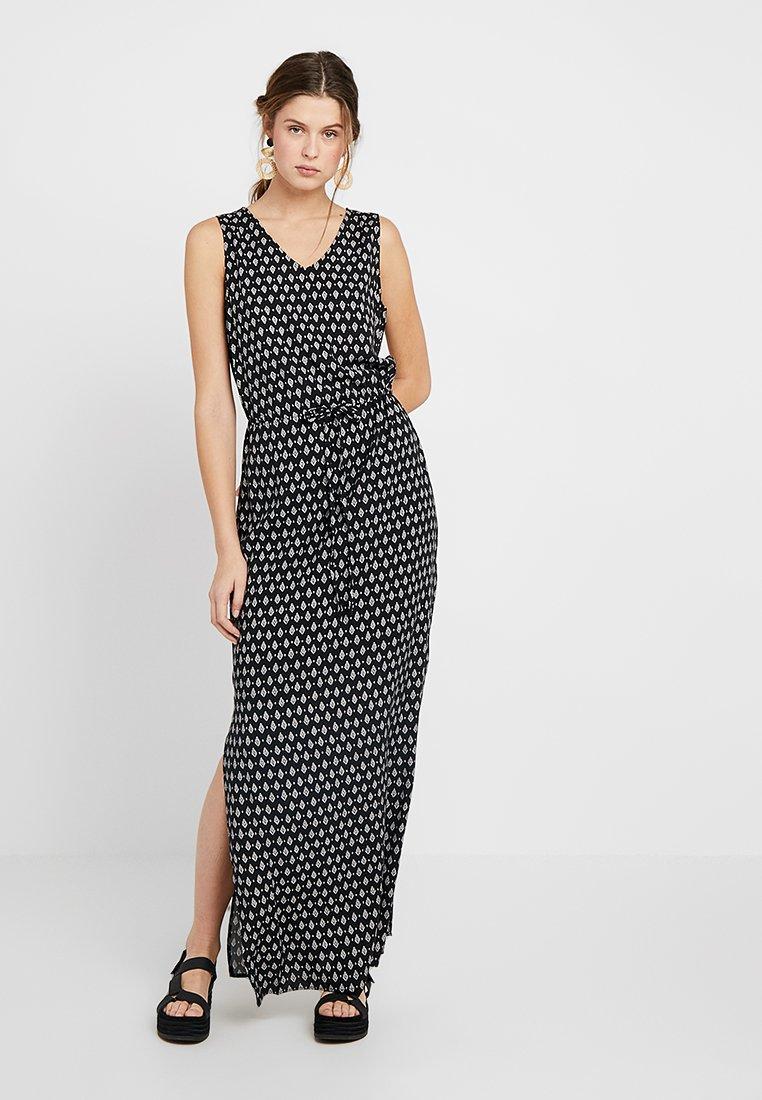 Vero Moda Tall - VMSIMPLY EASY TANK MAXI DRESS - Maxikleid - black