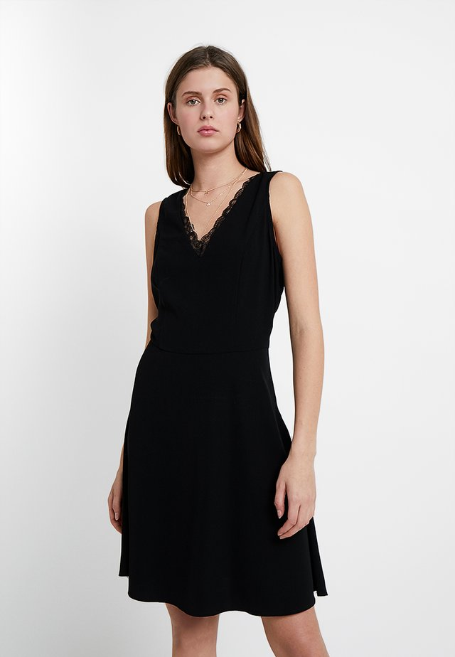 VMROSA DRESS - Freizeitkleid - black