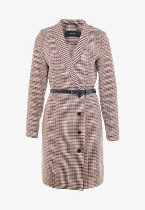 VMALICIA SHORT DRESS - Pouzdrové šaty - tobacco brown