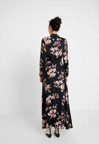 Vero Moda Tall - Maxi šaty - black/belle - 3