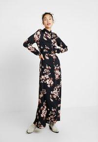 Vero Moda Tall - Maxi šaty - black/belle - 0