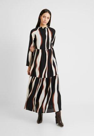 VMFIDELA ANKLE DRESS - Denní šaty - birch/fidela