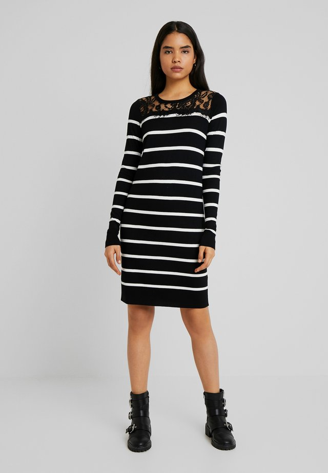 VMLACOLE DRESS - Gebreide jurk - black/snow white