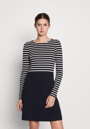 VMSAILOR  DRESS BOO TALL - Pletené šaty - night sky/white