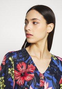 Vero Moda Tall - VMATHEN SHORT SHIRT DRESS - Denní šaty - baja blue/gina - 3