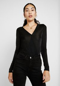 Vero Moda Tall - VMDENISE WRAP - T-shirt à manches longues - black - 0