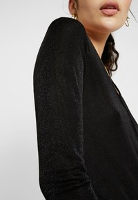 Vero Moda Tall - VMDENISE WRAP - T-shirt à manches longues - black - 5