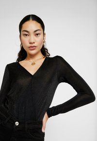 Vero Moda Tall - VMDENISE WRAP - T-shirt à manches longues - black - 3